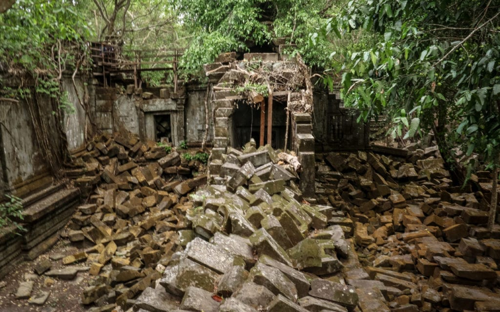 Angkor Wat Extra Chapter – The lost temple and local scam