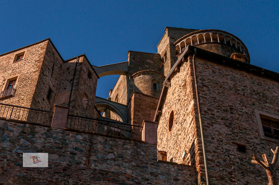 Sacra di San Michele, flying buttresses